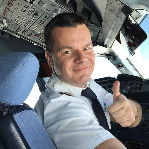 Марио Бакалов - старши първи офицер на А380 Airbus